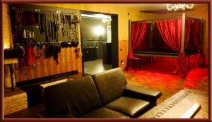 Red Room im Big Secret bdsm Apartment