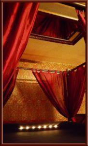 Bondagebett im Big Secret bdsm Apartment