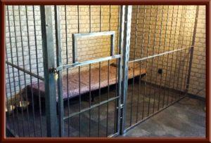 Fetisch Knast, Gefängniszelle im Big Secret BDSM Ferien