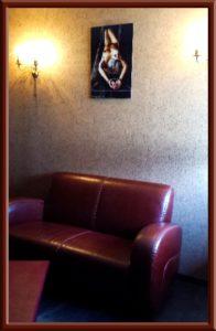 Raucherlounge im Big Secret Secret Islands BDSM Apartment