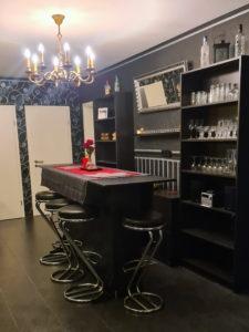 SM Ferienwohnung Bar Theke 4